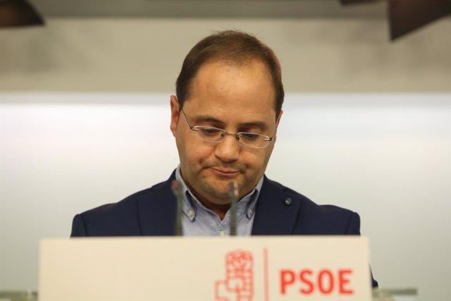 Rueda de prensa de César Luena tras las elecciones vascas y gallegas