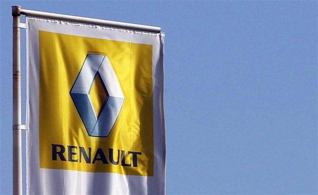 El logo de Renault en una concesionaria de la firma en Bordeaux, Francia, mar 1