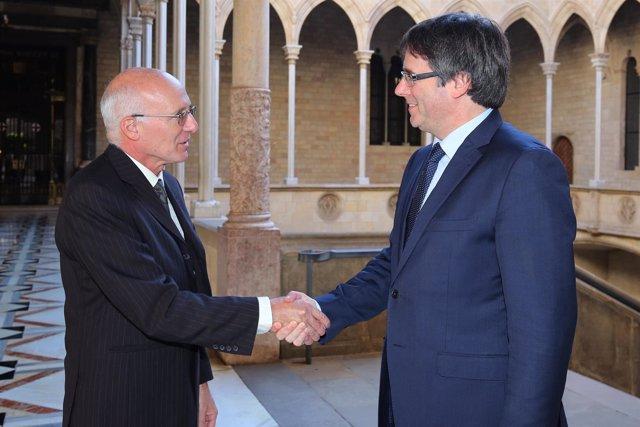 Matthew Levil y Carles Puigdemont