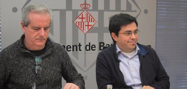 El teniente de alcalde de Barcelona Gerardo Pisarello y el comisionado Jordi Via