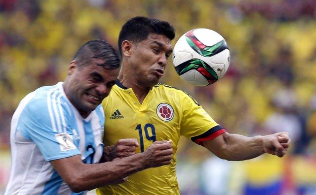 Gabriel Mercado y Teófilo Gutiérrez