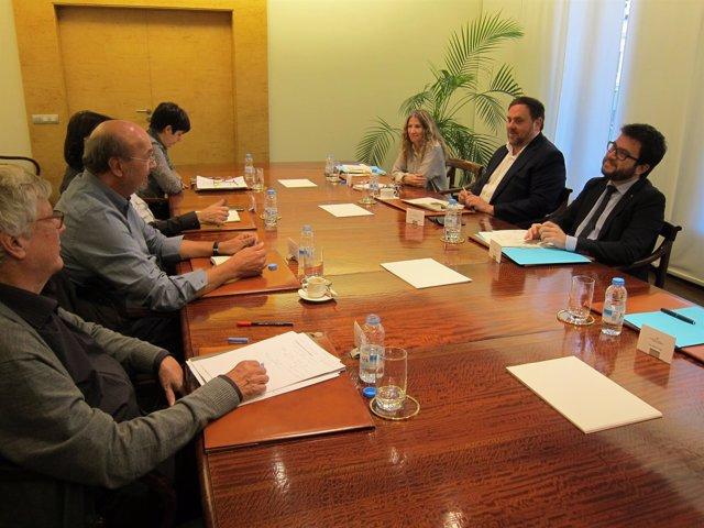 Reunión de J.C.Gallego (CC.OO.) y C.Ros (UGT) con el vicepresidente O.Junqueras