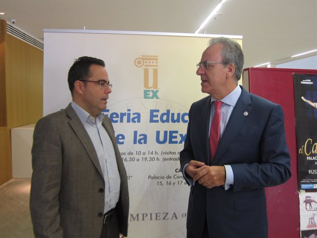 El rector de la UEx y el director general de Universidad de la Junta