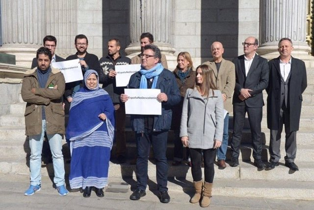 Concentración en el Congreso para pedir un referéndum en el Sáhara Occidental
