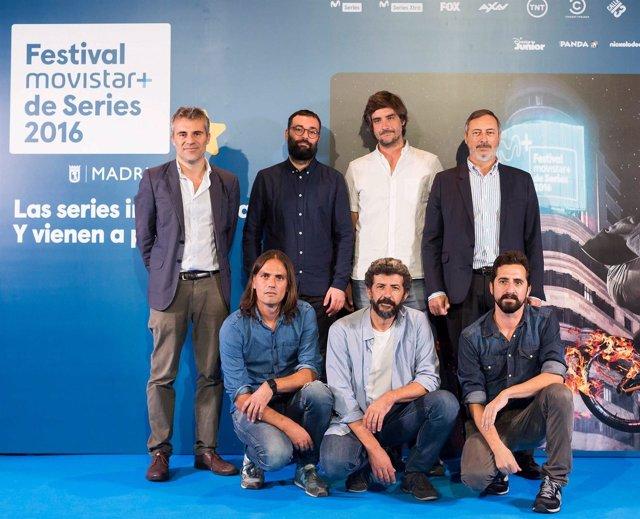 El equipo de la nueva serie 'La Peste, dirigida por Alberto Rodríguez