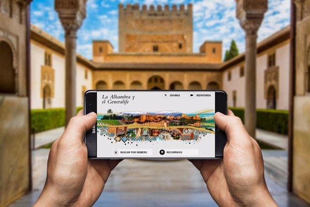 La nueva audioguía de la Alhambra de Granada