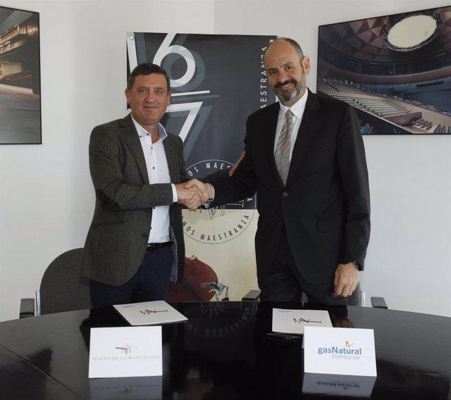 Firma del convenio entre el Maestranza y Gas Natural