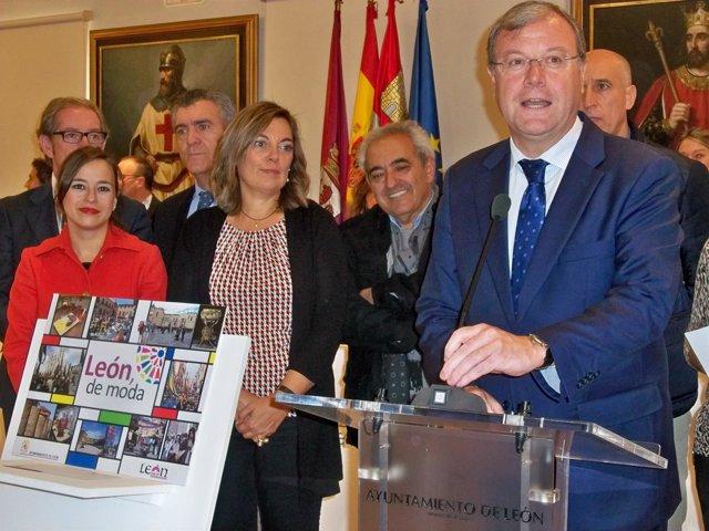 Marcos y Silván durante la presentación de la campaña