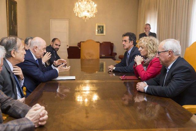 La vicepresidenta y el consejero de Industria se reúnen con Mezquita