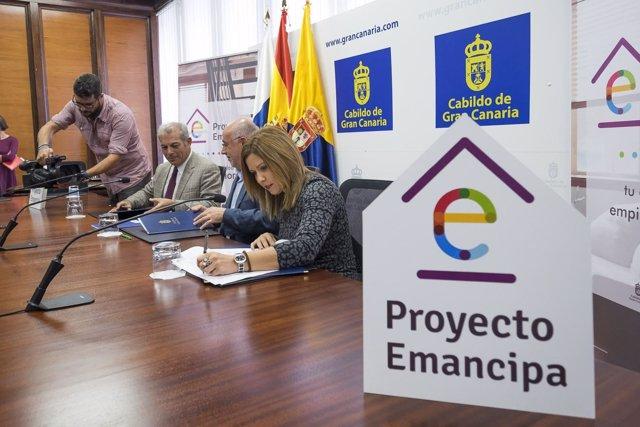LAS PALMAS DE GRAN CANARIA (Canarias). 15/11/2016.- El presidente del Cabildo y