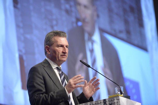 El comisario europeo de Economía, Gunther Oettinger