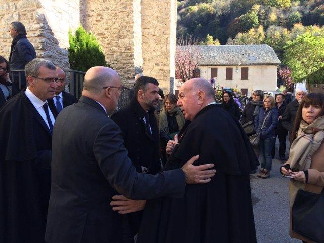 El mundo de la política despide en Les (Lleida) a la primera síndica de Aran