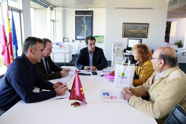 Reunión sobre el congreso de micología que se celebrará el Liébana
