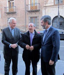 Lesmes, entre el presidente del TSJCyL y el de la Audiencia de Valladolid.