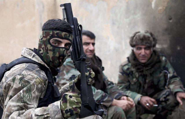 Combatientes peshmerga a las afueras de Mosul