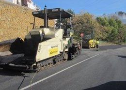 Obras de asfaltado en Carmona.