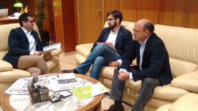 Ubis con Marín recibidos con el alcalde de Arnedo