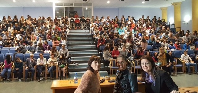 En el encuentro en Rioja han participado un centenar de estudiantes.