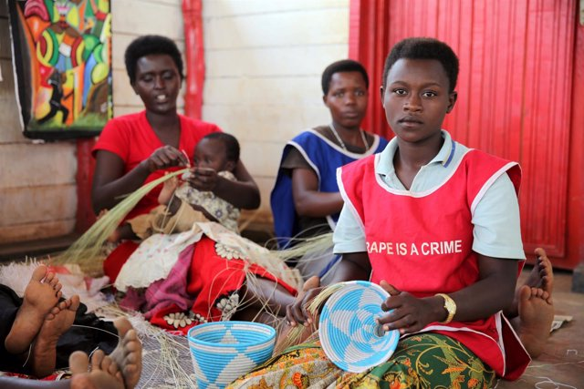 Refugiadas de Burundi en un campo de refugiados de Ruanda.