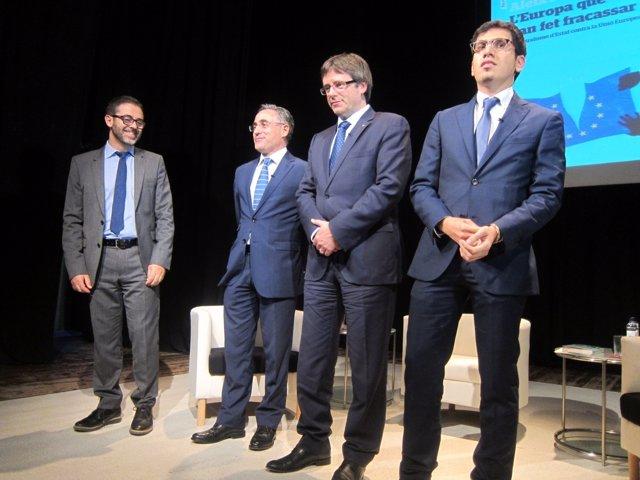 El eurodiputado R.Tremosa, el pte.C.Puigdemont y A.Sarri.