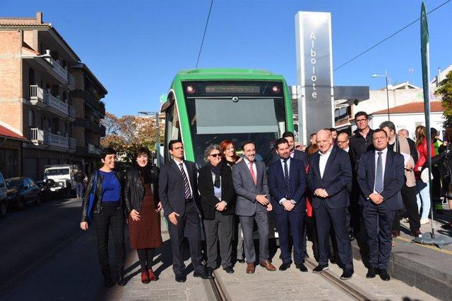 El consejero de Fomento y alcaldes asisten a las pruebas del metro