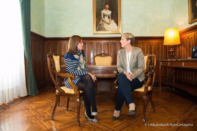 Imagen del encuentro entre Ana Belén Castejón y Noelia Arroyo