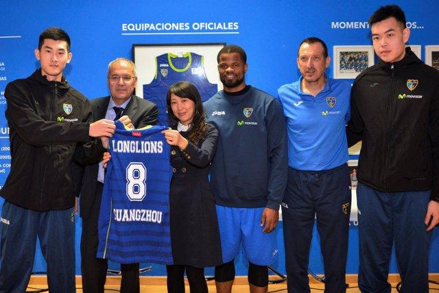 Firma del acuerdo entre Estudiantes y Guangzhou Loglions