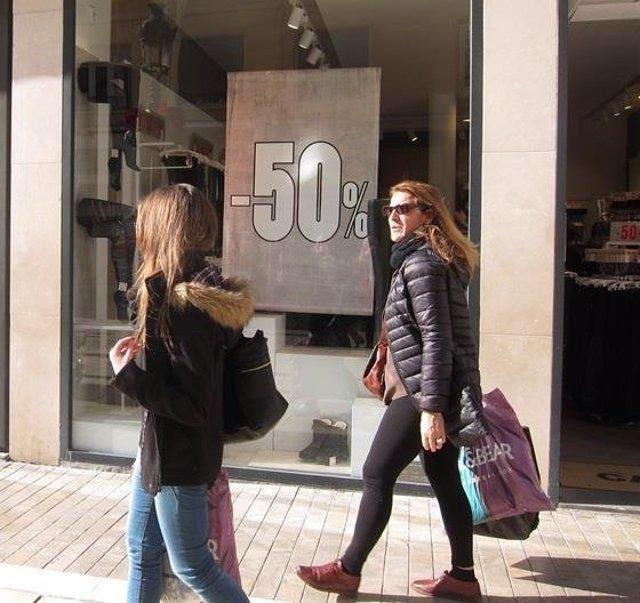 Comercio rebajas malaga joven bolsas compras shoppping