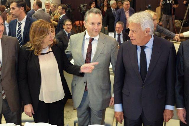 Susana Díaz y Felipe González en una conferencia del expresidente en Sevilla