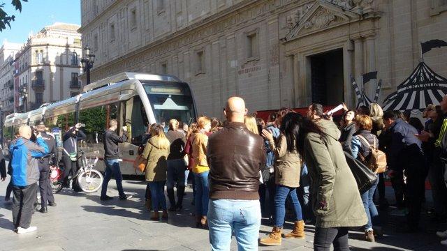 Trabajadores de Pascual protestan a las puertas del SAS