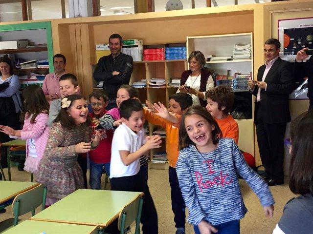 Escolares participan en programa Aqualogía