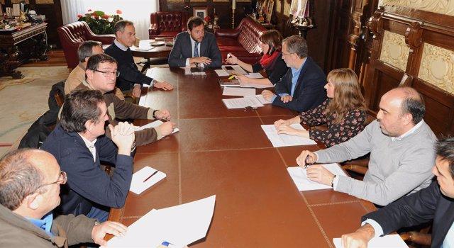 Reunión del Ayuntamiento con el Comité de Empresa de Aguas de Valladolid