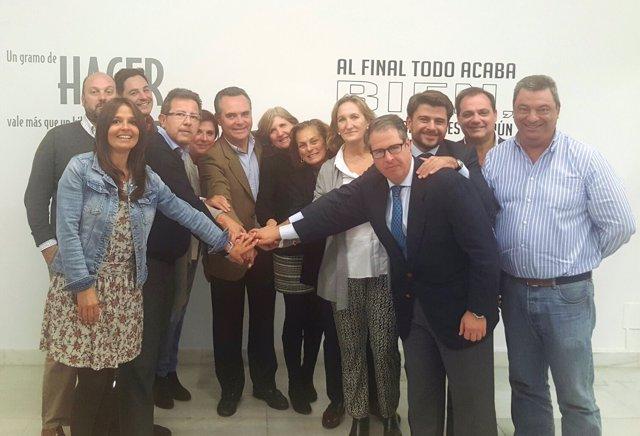 Foto de familia del PP.