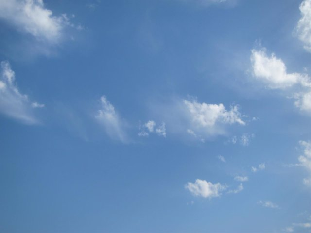 Buen tiempo, despejado, sol, cielo, nubes,
