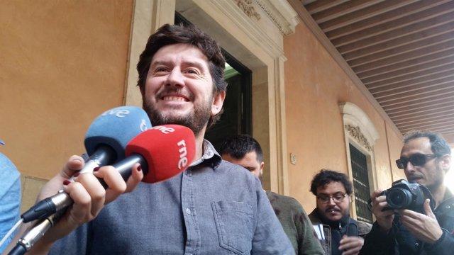 El secretario general y diputado de Podemos, Alberto Jarabo