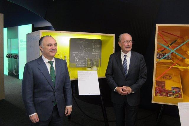 El alcalde de Málaga, De la Torre, y el director territorial, Zafra