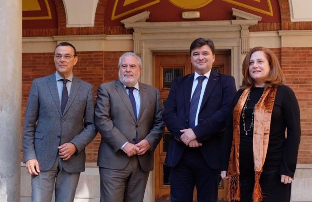 Canal Sur retransmitirá las campanadas desde el Ayuntamiento de Huelva.