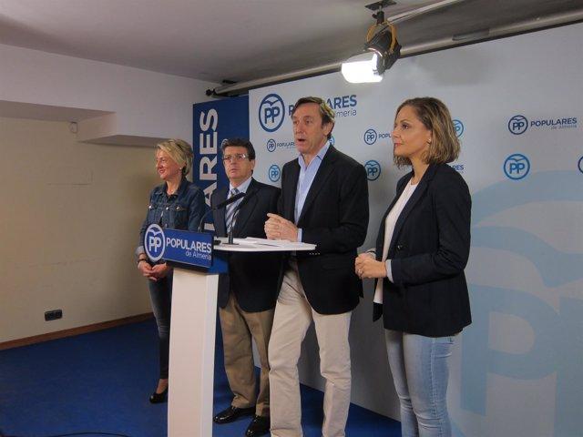 Rafael Hernando (PP) en rueda de prensa en Almería