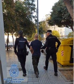 NP: Detenido En Cádiz Por Incendios Contenedores Y Papeleras