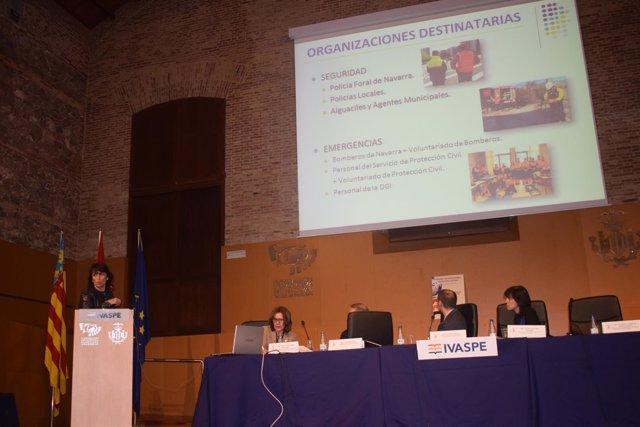 Izaskun Cibiriáin presenta los planes de formación de policías de Navarra