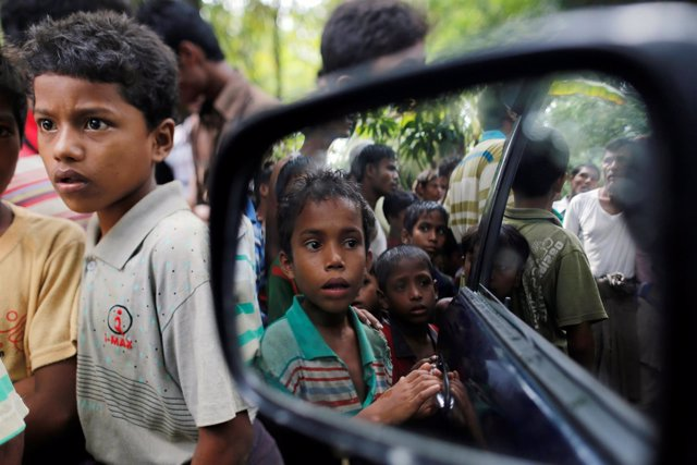 Niños de la minoría Rohingya
