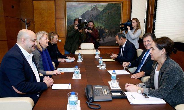 Reunión del Gobierno con Foro