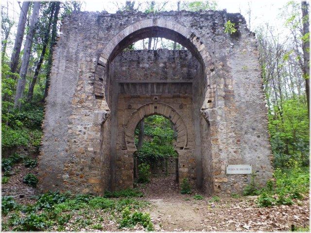 Puerta de Bibramblay, muralla de la Medina Medieval, en Granada