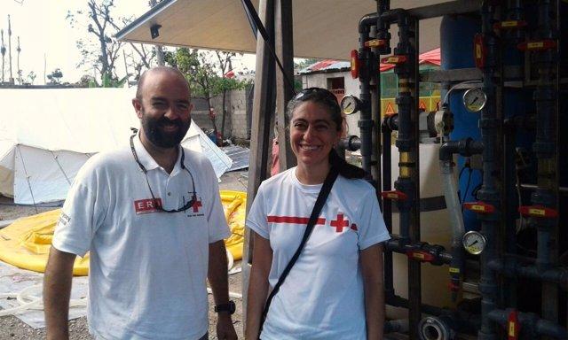 Joaquín Mencos y Esperanza Ursúa de Cruz Roja Navarra