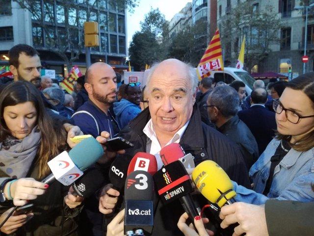 El líder de SíQueEsPot en el Parlament, Lluís Rabell