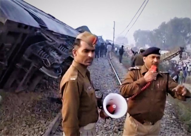 Descarrilamiento de Kanpur, India