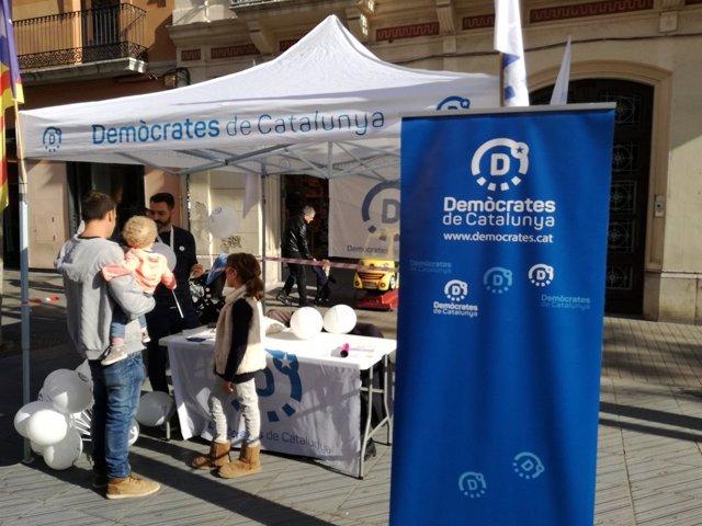 Carpa de Demòcrates de Catalunya en Vilanova i la Geltrú (Barcelona)