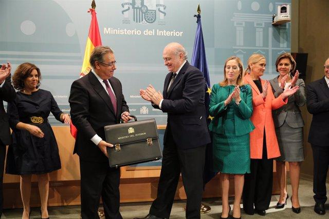 ElJuan Ignacio Zoido recibe la cartera de Jorge Fernández
