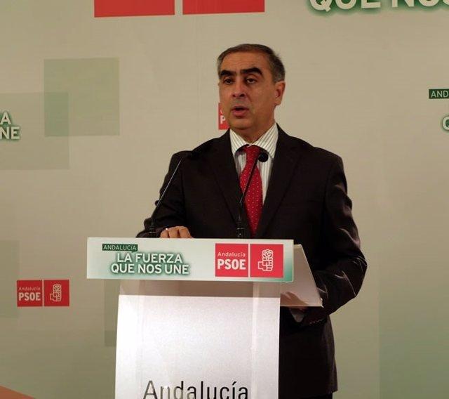 El socialista José Martínez Olmos
