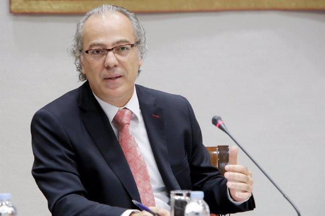 El consejero canario de Sanidad, Jesús Morera, durante la Comisión de Sanidad